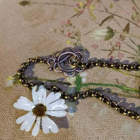 Collana con fiore vero di leucanthemum (margherita)