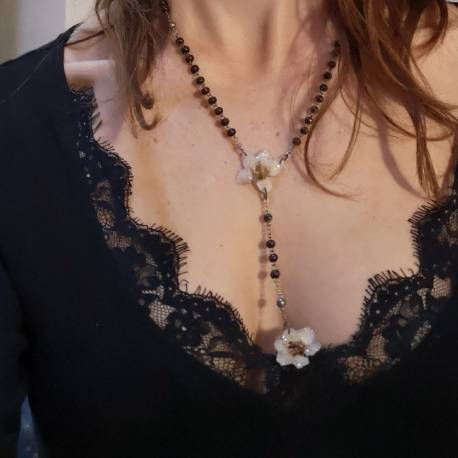 Necklace with real bergenia flowers