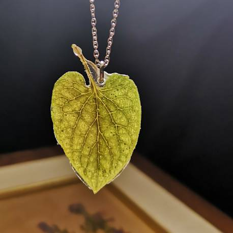 Necklace with real brunnera leaf