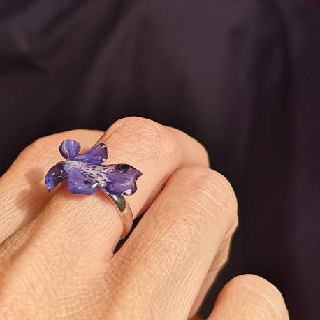 Ring with real caryopteris flower